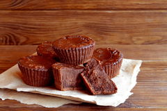 Chocolade cupcakes recept Stock Foto's