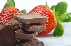 Chocolade en Aardbeien Stock Fotografie