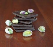 Chocolade en noten Stock Foto's