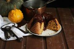 Chocolade en pompoencake Royalty-vrije Stock Foto