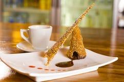 Chocolade en Sesamzaadwafeltjedessert Stock Fotografie