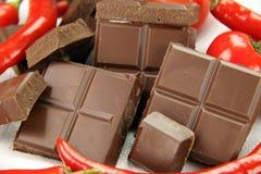 Chocolade en Spaanse pepers Stock Foto's