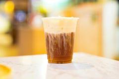 Chocolade, Koffie en melk in het toping stock afbeeldingen
