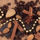 Chocolade, Koffie, Kruiden en Noten Stock Foto