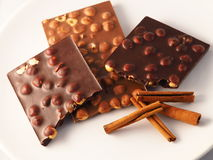 Chocolade met ingrediënten Stock Afbeelding