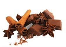 Chocolade met kaneel en anijsplant Royalty-vrije Stock Afbeelding