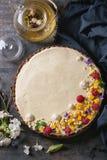 Chocolade scherp met mango en frambozen Royalty-vrije Stock Foto's