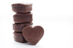 Chocolade Valentine Cake op witte achtergrond Royalty-vrije Stock Foto