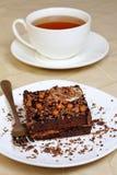 Chocoladecake en een kop thee Royalty-vrije Stock Foto