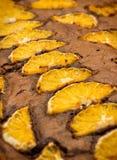 Chocoladecake met sinaasappelen Royalty-vrije Stock Foto
