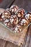 Chocoladekoekjes in gepoederde suiker Royalty-vrije Stock Afbeelding