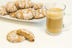 Chocoladekoekjes met koffie Stock Foto's