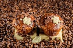 Chocolademuffin met chocolade Royalty-vrije Stock Afbeelding
