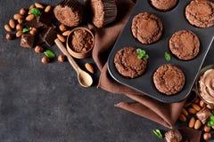 Chocolademuffins, brownies met noten en chocolade Royalty-vrije Stock Foto
