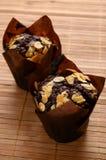 Chocolademuffins met amandelen Stock Foto