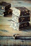 Chocoladereep met noten. Stock Foto