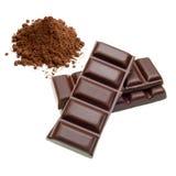 Chocoladerepen en cacaostapel Royalty-vrije Stock Fotografie