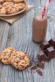 Chocoladeschilfer coockies met kakao Stock Afbeeldingen
