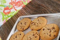 Chocoladeschilferkoekjes homemaid, gebakken royalty-vrije stock foto