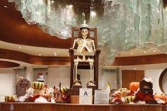 Chocoladeskelet bij vertoning voor Halloween bij Aria Resort en Casino Las Vegas Stock Foto