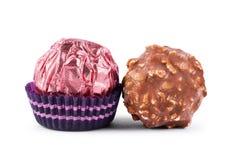 chocoladesuikergoed zonder de omslag, dichtbij chocoladesnoepjes op a Stock Afbeelding