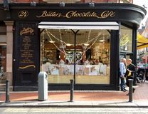 Chocolat Café de maîtres d'hôtel à Dublin Photos libres de droits