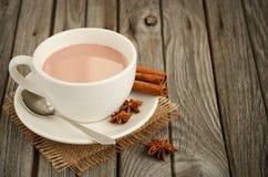 Chocolat chaud avec des épices Photo stock