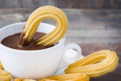 Chocolat chaud avec des churros Petit déjeuner espagnol Photos stock