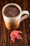 Chocolat chaud en automne Images stock
