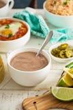 Chocolat chaud mexicain sur une table de petit déjeuner Photo libre de droits