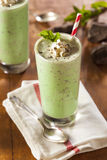Chocolat en bon état régénérateur froid Chip MilkShake images stock