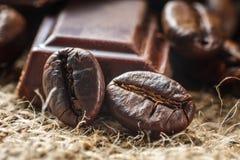 Chocolat et grains de café Image libre de droits