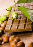 Chocolat et noix photographie stock