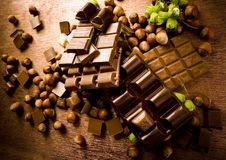 Chocolat et noix photos stock