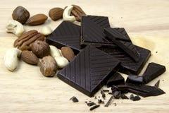 Chocolat et noix Image libre de droits