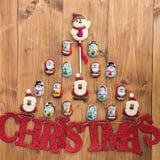 Chocolat Santa, bonhomme de neige et biscuits et Noël de lettres Photographie stock