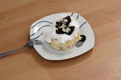 Chocolate almond cake onwood Royalty Free Stock Photography