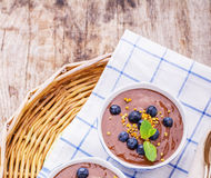 Chocolate banana pudding with topping of fresh Stock Images