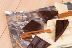 Chocolate blanco y oscuro Fotografía de archivo libre de regalías