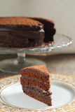 Chocolate cake with chocolate cream Royalty Free Stock Images