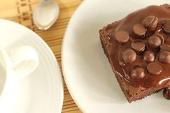 Chocolate cake a cup of coffee Royalty Free Stock Photos