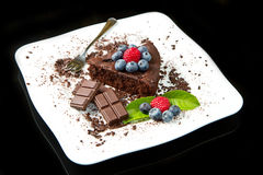 Chocolate cake with fresh berry Royalty Free Stock Photography