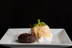 Chocolate cake with vanilla icecream,Fondant au chocolat Royalty Free Stock Photography