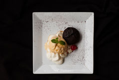 Chocolate cake with vanilla icecream,Fondant au chocolat Royalty Free Stock Photos