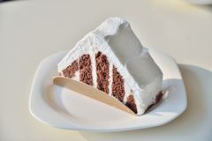Chocolate cake with white cream Royalty Free Stock Images