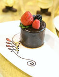 Chocolate cake withfresh berry Royalty Free Stock Photography