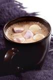 Chocolate caliente con las melcochas Fotos de archivo