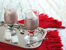 Chocolate caliente con las melcochas Fotos de archivo libres de regalías