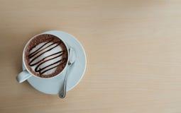 Chocolate caliente en café Foto de archivo libre de regalías
