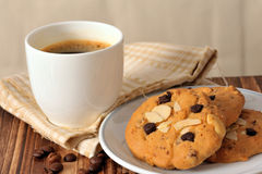 Chocolate chip cookies with black coffee Royalty Free Stock Image